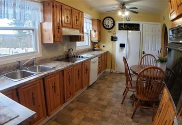 152-154 Eldon Street, Fortune, Newfoundland, Canada A0E 1P0, ,1 BathroomBathrooms,Residential,Reduced,Eldon Street,3385