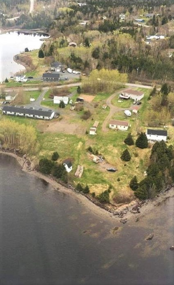 9 DIAMONDS POINT ROAD, LETHBRIDGE, Newfoundland, Canada A0C 1V0, ,Residential,For Sale,DIAMONDS POINT ROAD,3978